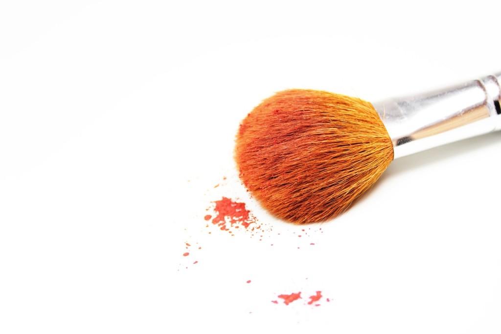 makeup-484257_1280